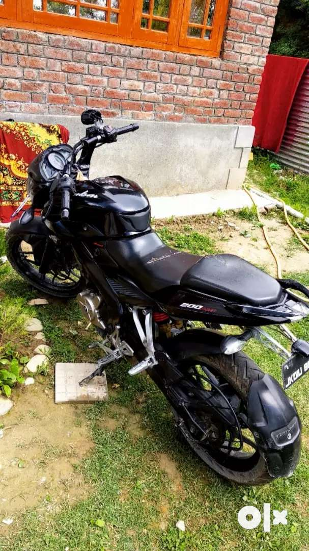 WANNA SELL PULSER 200 NS IN GOOD CONDITION 0
