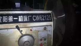 Di jual mesin bubut CW621250 x 8000