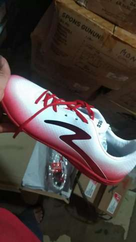 Sepatu Futsal speecs