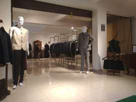 Experienced salesboy for garments store in una