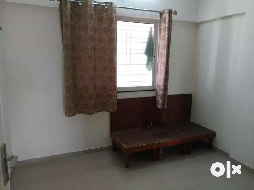 1bhk flat on rent near to magarpatta city 0