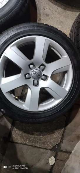 """Without tyre 17"""" Alloy wheel of Audi"""