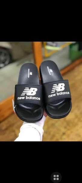 Jual Sandal New balance putih