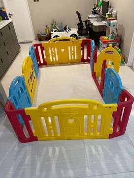 Dwinguler Castle Play Room