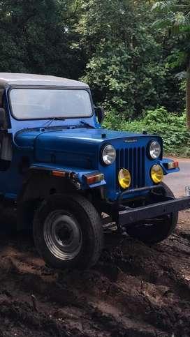 Orginal 1983 3 speed mahindra jeep