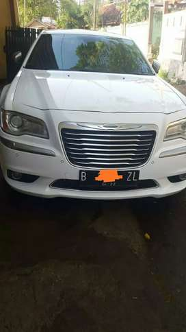 Jual Mobil Chrysler Tahun 2012 Matic Warna putih