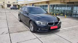 Bmw 320i Sport LCI 2016 AT Hitam