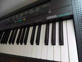 Yamaha keyboard piano stereo double speakers with supply