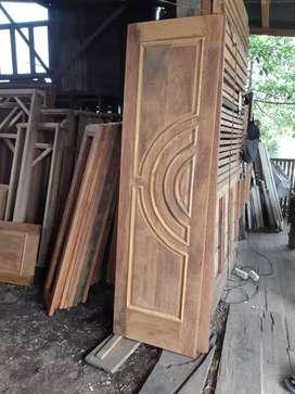 Pintu,daun,kusen kayu merbau,damar,cengal minimalis