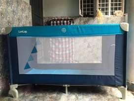 Luvlap baby playard / foldable bed