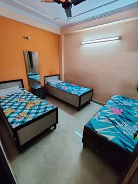 Best , Fully Furnished BOYS PG available near metro, No Brokrage.