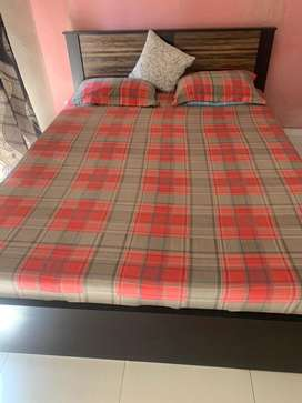 Selling bed with mattress