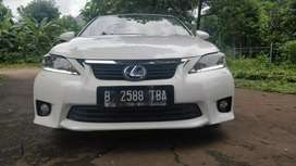 Lexus ct 200    hybrid   2011