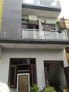 52 YARD PARK FACING DESIGNER HOUSE 36 LAC (JAGRATI VIHAR GARH ROAD)