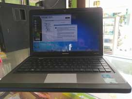 Laptop core i3 orisinil siyab pake