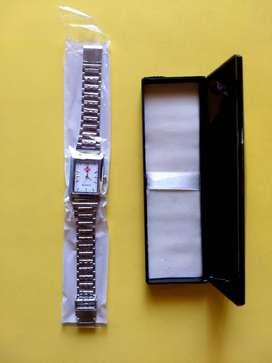 Unused Quartz men Wrist Watch with box