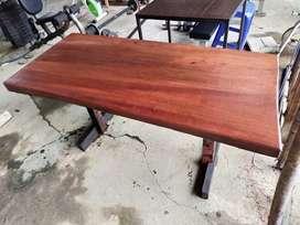 meja solid kayu tebal 150x70x5 cm