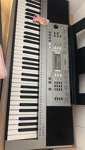 Keyboard Yamaha E 353