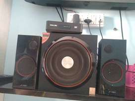 F&D sub woofer ,2 years old,2.1