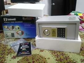 Safewell Digital locker with concealed emergency manual key lock