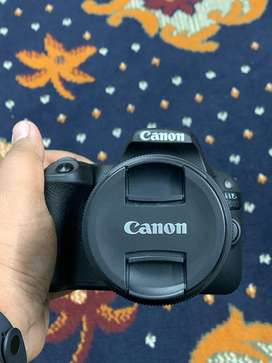 Canon EOS 200D With Kit Lens 18-55mm