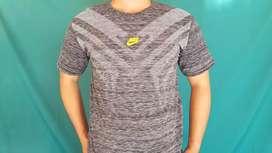 Baju kaos Pria untuk olahraga & aktivitas harian