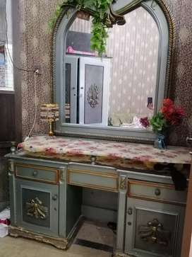 Deco furniture Bed+Dressing in Good Condition.