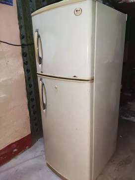 Lg 260 l with new compressor 5 years warranty