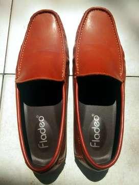 Di jual Sepatu Fladeo ukuran 42/43