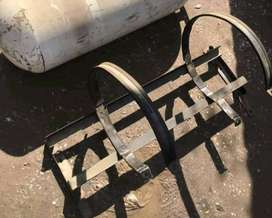 Cng cylinder stand for crolla, honda etc. Good condition