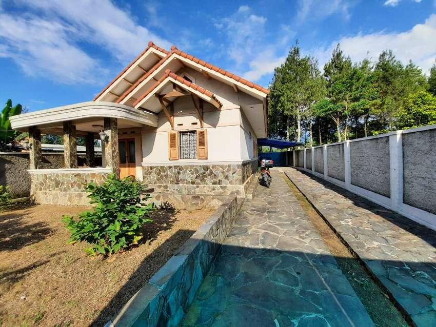 Rumah Mewah 2865 m2 + 12 Kosan Pinggir Jalan Raya Purwakarta Dijual