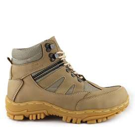 Sepatu Safety Boots Proyek Lapangan