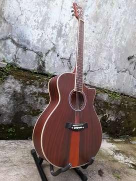 Gitar akustik kumpul