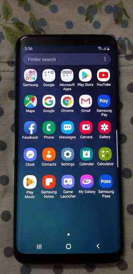 Galaxy S9 curved phone