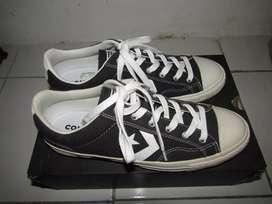 Sepatu Converse original size 42