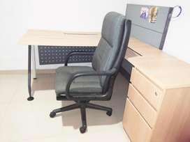 MEJA KANTOR meja kerja kursi kantor /bonus kursi manager  type Sudut L