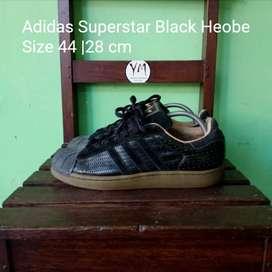 Sepatu Adidas Superstar Black Heobe . Size 44 | 28 cm