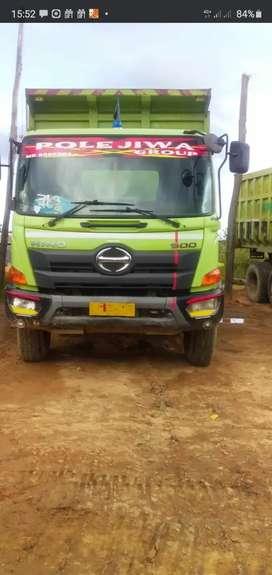 Hino ranger dt tronton 2018 km rendah barang istimewa