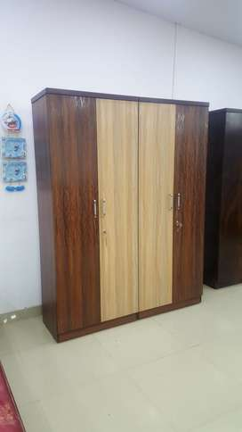 sell sell sell 4 door wardrobe at wholesale price