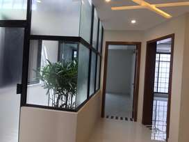 F-10 Ideal Upper Portion 3Bed Very Reasonable Rent