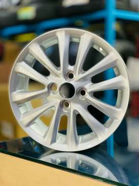 "15"" Toyota Etios Silver OEM Alloys set of 4 brand New box piece"