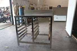 Meja For Bakery Meja Stainless Steel Dilengkapi Rak Loyang