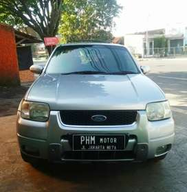 Ford Escape XLT Limited tahun 2007 A/T Warna Silver, KM rendah Antik