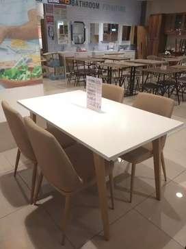 Medford dining set