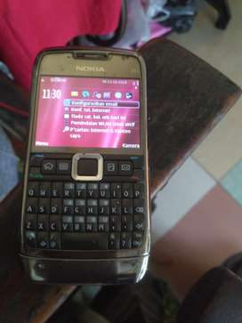 Jual hp Nokia E71 masih normal