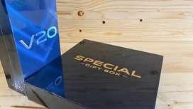 Gift Box VivoV20 (PowerBank 10.000 mAh dan Smartwatch) + PaperBag Vivo