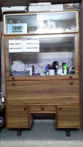Crockery cabinet in very good condition