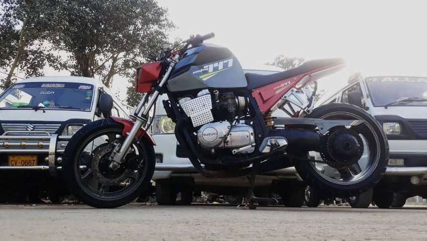 Street Fighter 750 CC Heavy Bike Just Like New No Work Required 100%