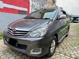 Toyota Innova Diesel 2.5 tipe G 2011 m.t Warna Abu abu metalik