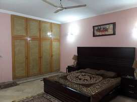 I kanal Upar like a new available4rent in johar town hot location